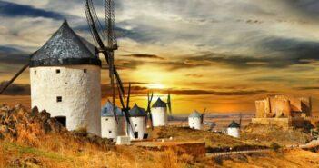 Airén: Frisch, trocken und rustikal. Foto: Windmühlen bei Castilla la Mancha