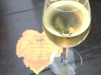 In der Rieslingmanufaktur können Sie bei Ihrer Weinreise den Wein der Mosel probieren.