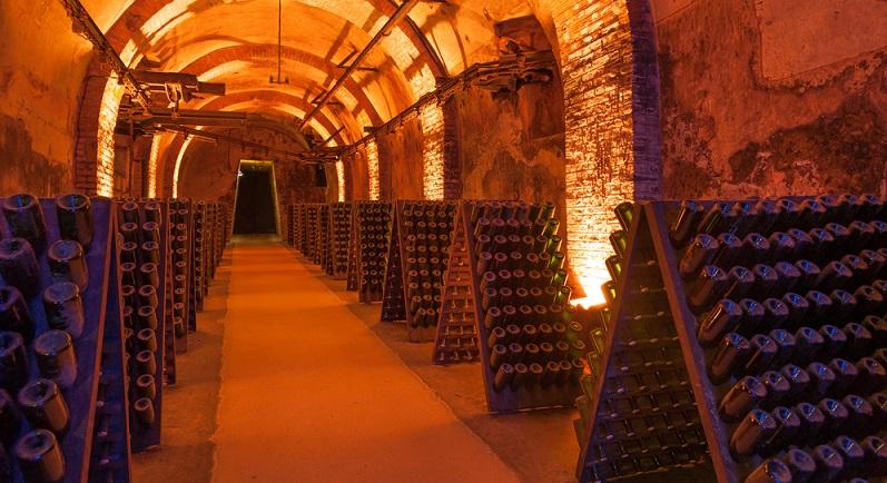 Das besondere Markenzeichen des Champagners ist die Flaschengährung.