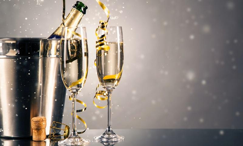 Champagner stellt für viele Menschen den Inbegriff des Luxus dar. Das prickelnde Getränk überzeugt nicht nur durch einen einzigartigen Geschmack.